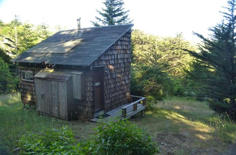 Nutmeg Cabin