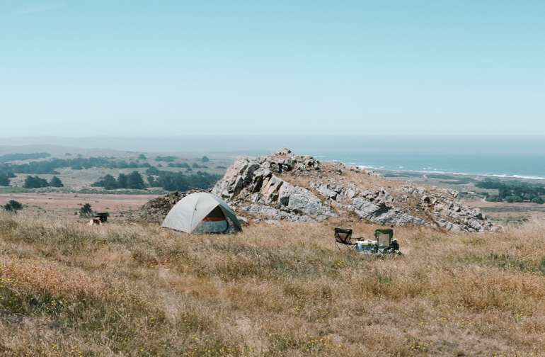 Awesome camp at the top of the hill with an incredible panoramic view.