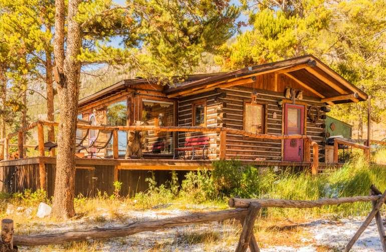 Buckeye's Cozy, Romantic Cabin