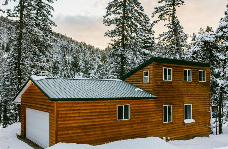 cabin winter lodging