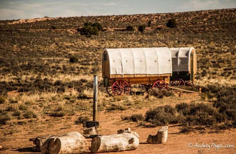 Navajoland Wagon Glamping #1