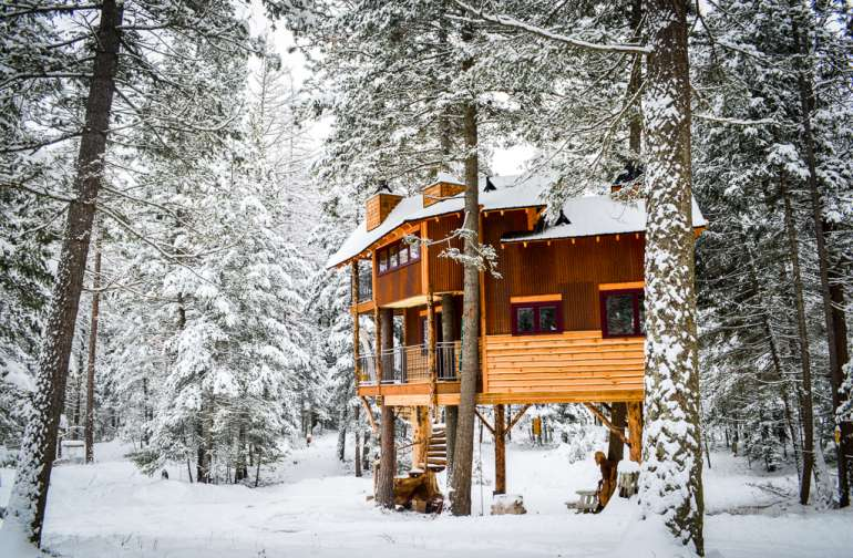 The Montana Treehouse Retreat is beautiful in the winter months as well! Enjoy skiing at The Whitefish Mountain Ski Resort just minutes away.