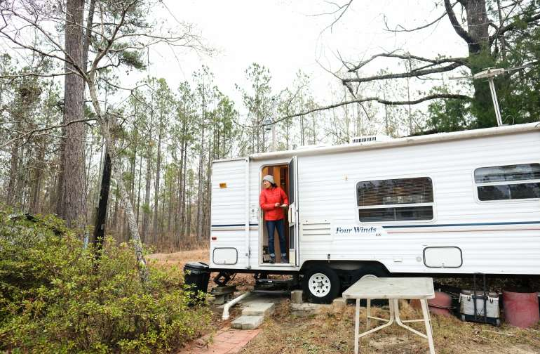 This camper was great for using the kitchen sink and bathroom.