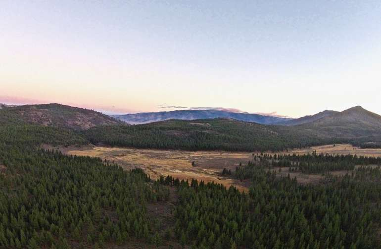 Mesmerizing sunsets are commonplace in Alpine Valley