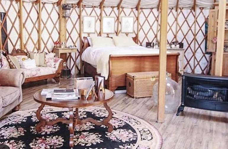 """Glamping on """"tiny pond"""" in a yurt"""