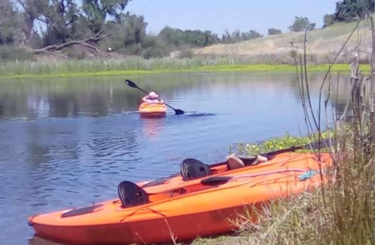 Fun Boating At Oroville Lakes