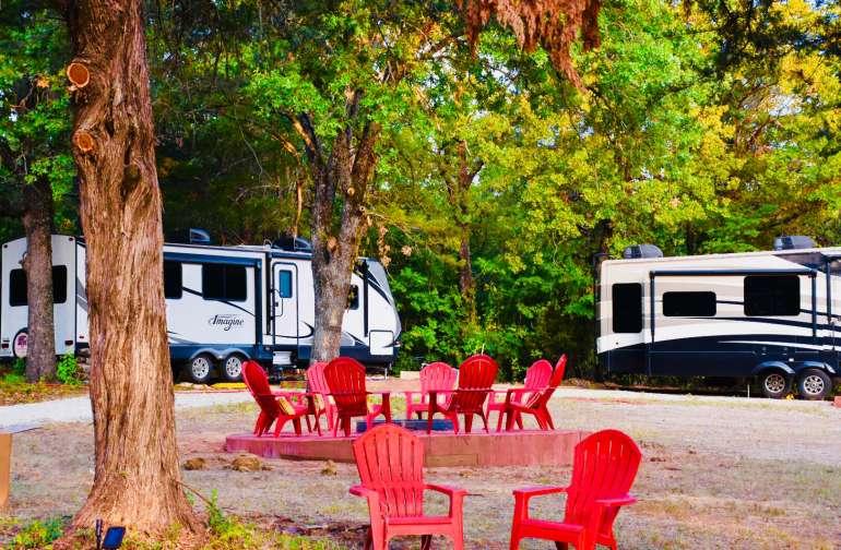 Oaks trailer (L) Cedars trailer (R) The Cedars trailer is also available on Hipcamp