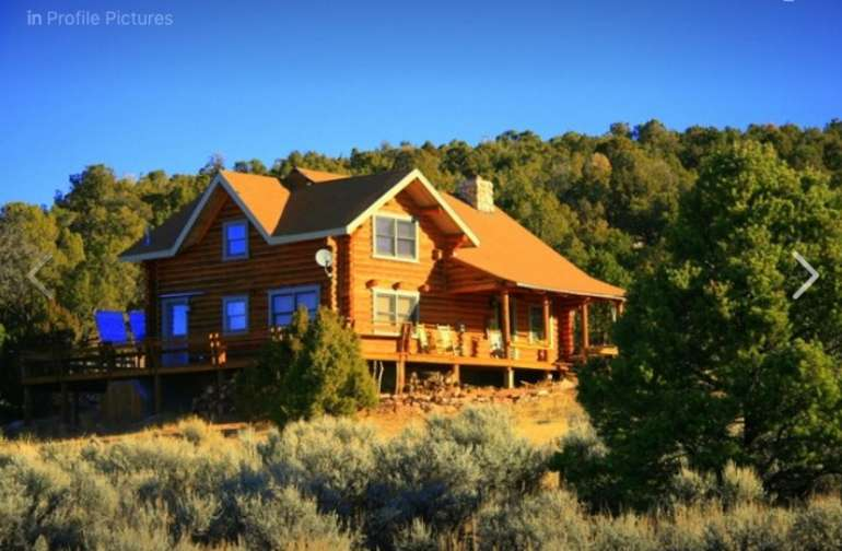 Log cabin with all amenities