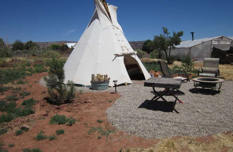 Coral Pink Ranch Tipi with Jacuzzi