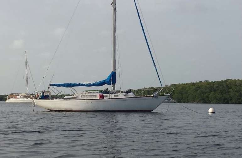 Sybird 34 foot Morgan Sailboat located just a few minutes row from Murray Nelson Govt Center Key Largo
