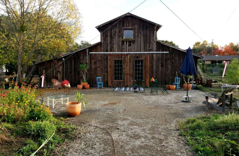 Welcome to the Barn - a taste of rustic living close to downtown Sonoma! The barn has big sliding doors and enclosed windows to keep bugs out during summer months and the warm air in during the winter.