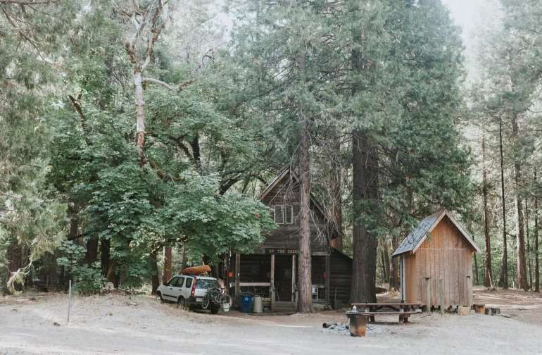 Stag Pad Rustic Wilderness Cabin