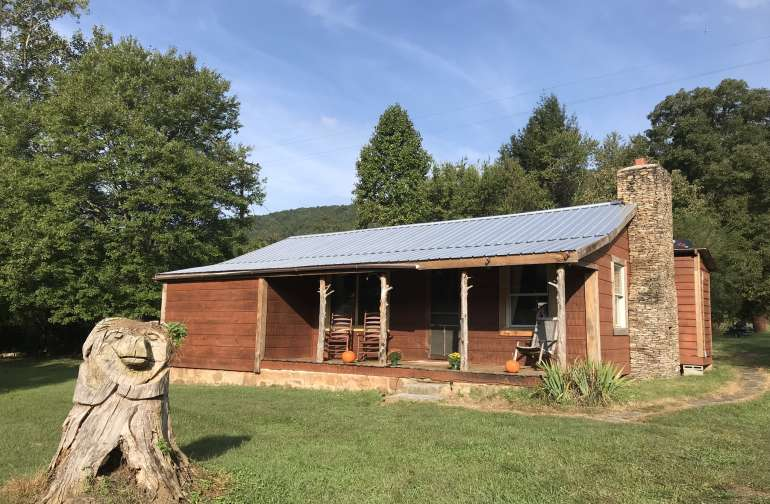 $59 deal! 3BR Smoky Mtn Cabin