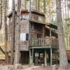 Romantic Tree House Hide-a-Way