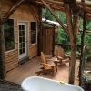 Tiny House Cabin & Bath InThe Woods