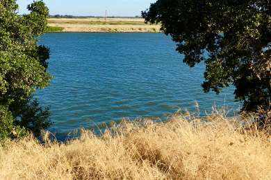 From the walk in campgrounds, the Sac river is only a short stroll away.