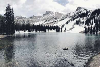 Hiking over snow to Stella Lake.