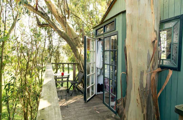 Ah, does it get any better than french doors on a treehouse?
