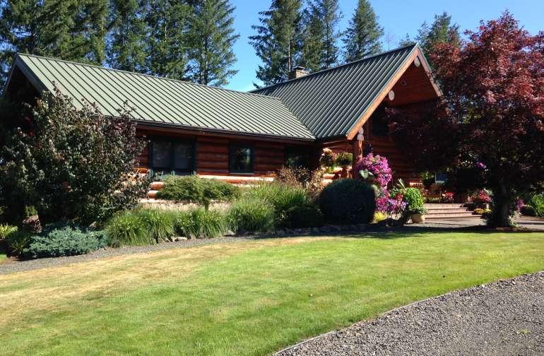 Log Cabin - Wild Horse Station