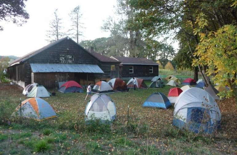 many tents