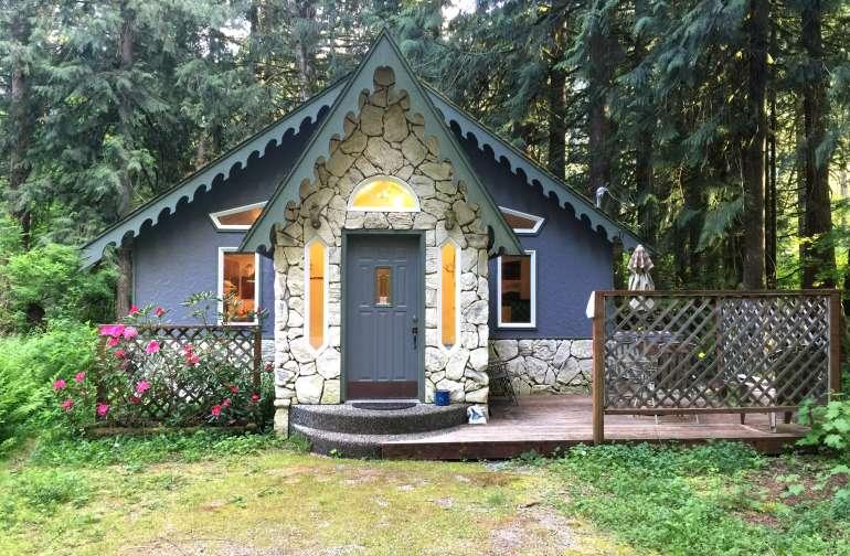 Mt. Baker Lodging – Cabin #60