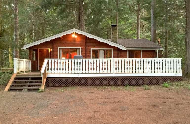 Mt. Baker Lodging – Cabin #66