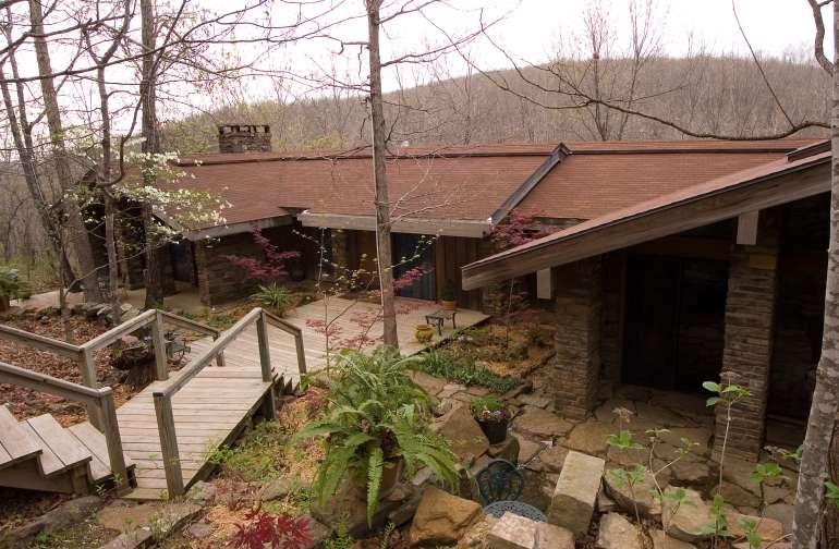 Azalea Falls Lodge