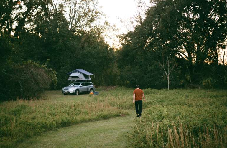 lodging vehicle