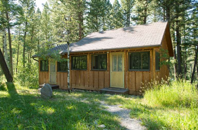 Nestled in the trees next to a small brook near the bathhouse is Teachers Cabin. Having its own kitchenette shared by two one bedroom mini-apartments with living room and private bathroom, makes this lodging offering special.