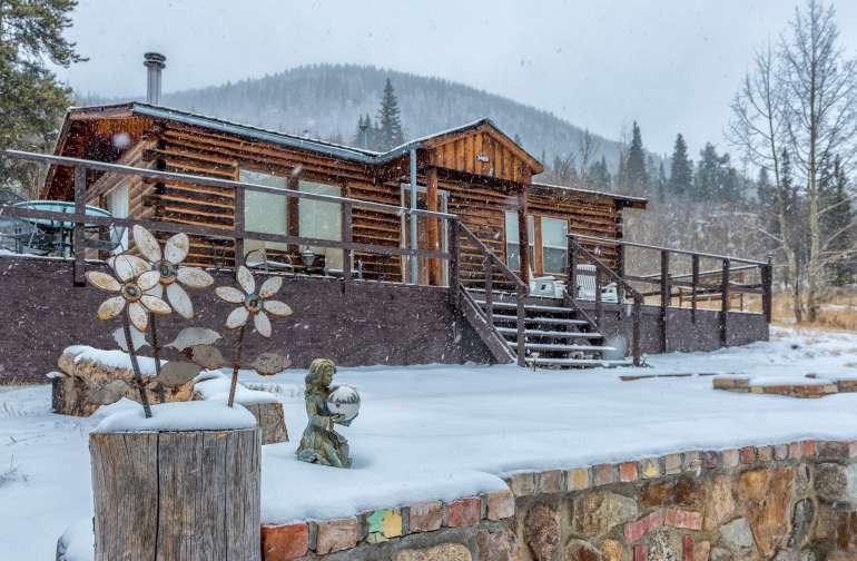 Zuni Cabin