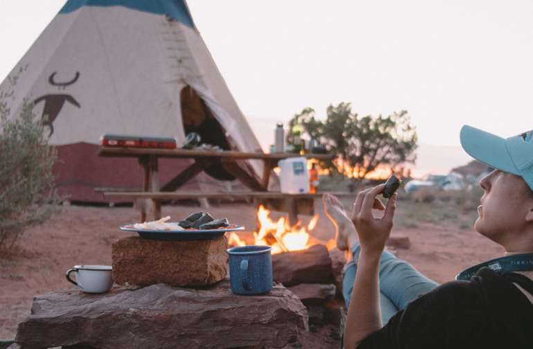 people campfire lodging