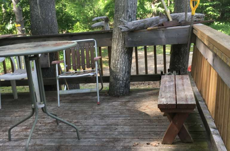 Have your coffee or lunch on the treehouse deck.