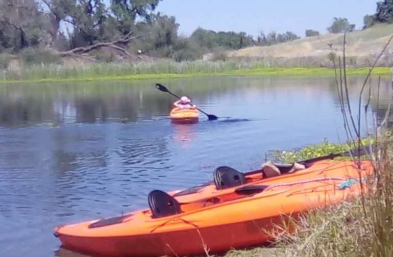 Fun Boating At Oroville Lakes