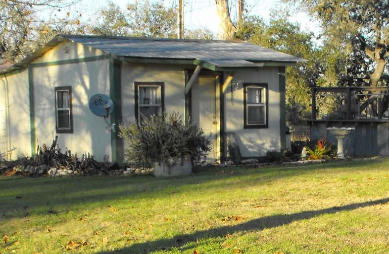 Private guest house. 2 twin beds. Full size refrigerator and kitchen. 1 bathroom with shower.