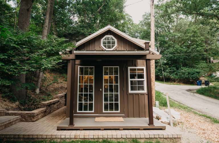The adorable tiny cabin!