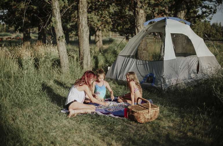 tent people family