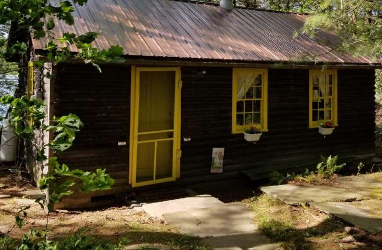 Charming Lake Cabin + 2000 acres