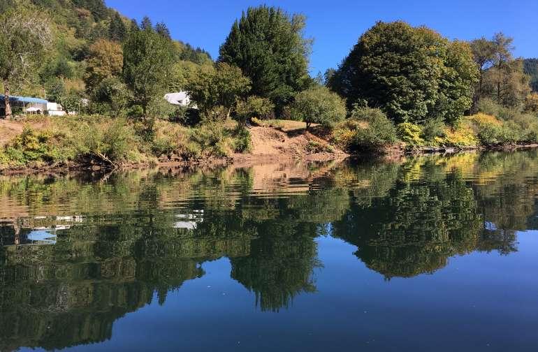 Riverfront Camping on the Umpqua