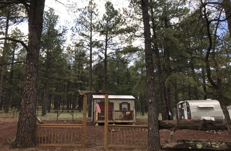 Welcome hunters or campers to your cozy lodge