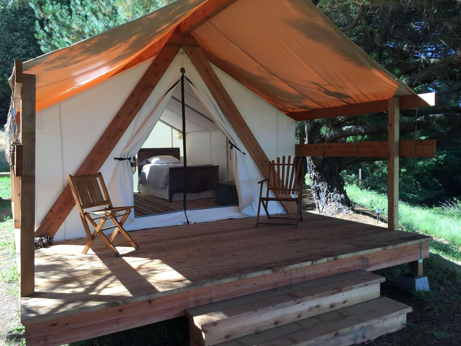 Glamping Tents, Vistas & Stars